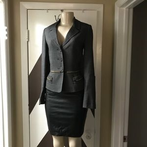 EUC ANNE KLEIN SUITS LONG SLEEVE COLLARED JACKET.